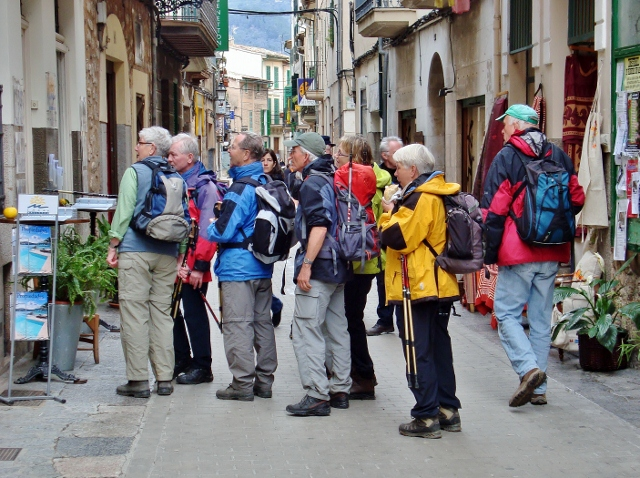 Trecking Tourists in Soller